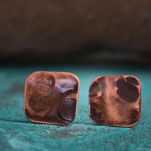 Śliczne ognisto rude kolczyki kute ręcznie
