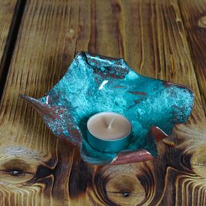 Podstawka pod świeczkę, miedziana, w kolorze turkusowym.