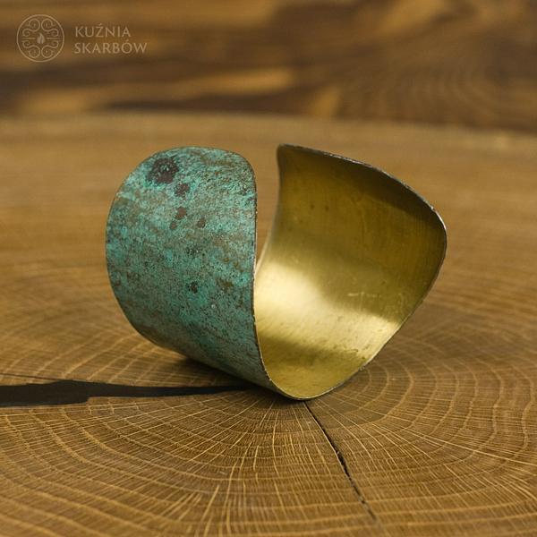 Godna podziwu bransoleta miedziana wykonana ręcznie