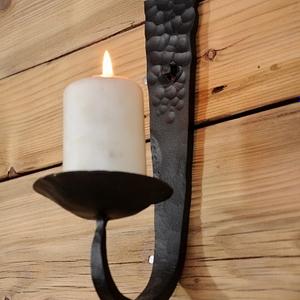 świecznik z metalu