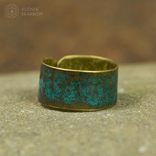 ręcznie wykonany pierścionek