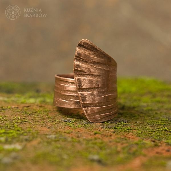 pierścionek artystyczny