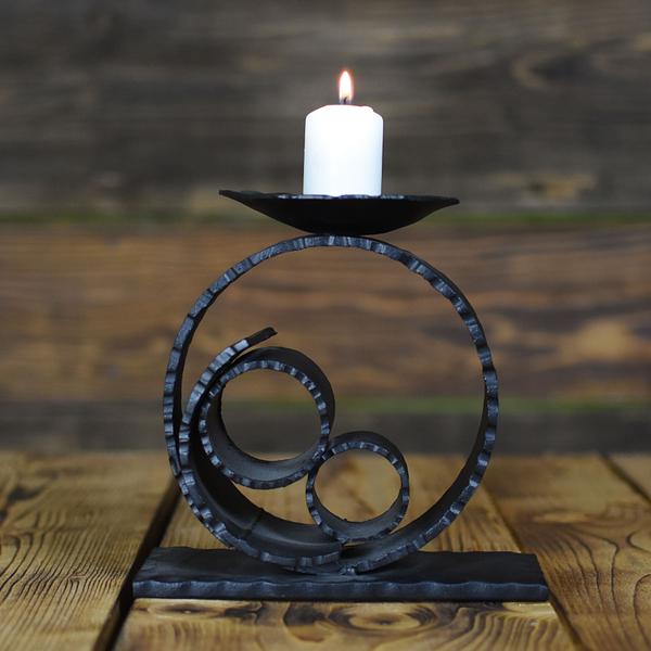 kuty ręcznie świecznik